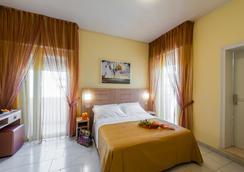 Hotel Corinna - ริมินี - ห้องนอน