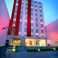 Red Planet Pasar Baru Hotel Front - Evening/Night