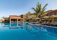 H10 Costa Adeje Palace - อาเดเฮ - สระว่ายน้ำ