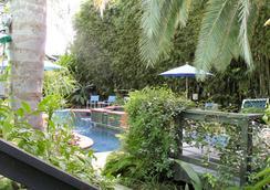 The Green House Inn - นิวออร์ลีนส์ - สระว่ายน้ำ