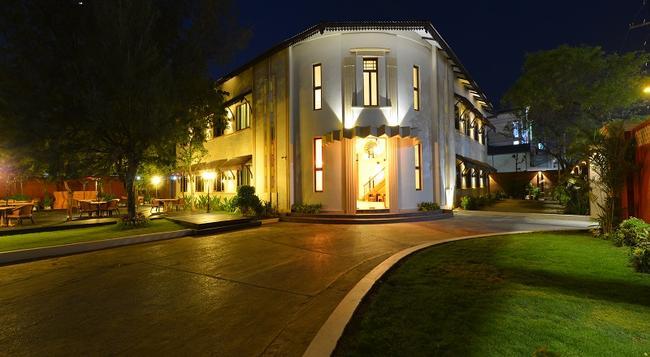 Hotel Amazing Mandalay - Mandalay - Building