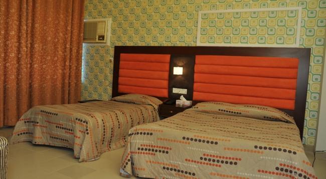 Hotel Northern Ltd - Dhaka - Bedroom