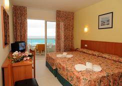 Hotel Natura Park - Coma-ruga - ห้องนอน