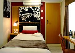 Astors Hotel - ลอนดอน - ห้องนอน