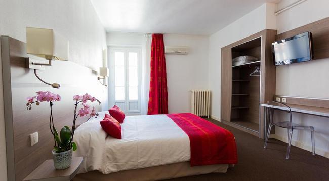 Hôtel de l'Europe Grenoble Hyper Centre - Grenoble - Bedroom
