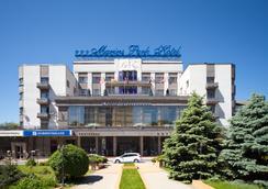 Marins Park Hotel - รอสตอฟ-ออน-ดอน - วิวภายนอก