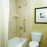 Hilton Garden Inn Albuquerque/Journal Center Bathroom