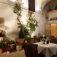 Hotel Schlicker Outdoor Dining