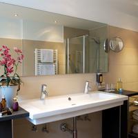Hotel Schlicker Bathroom Sink