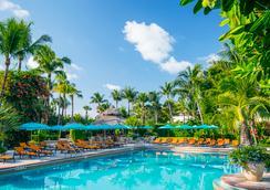 The Palms Hotel & Spa - ไมอามีบีช - สระว่ายน้ำ