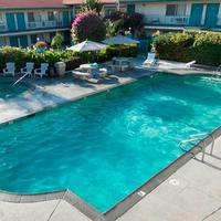 California Suites Hotel Outdoor Pool