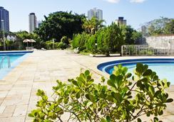 Salvatti Cataratas Hotel - ฟอส โด อีกวาซู - สระว่ายน้ำ