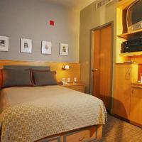 Charlesmark Hotel Guestroom