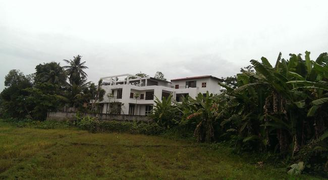 Ameesha Lodge - Colombo - Building