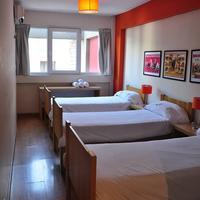 Circus Hotel & Hostel Guestroom