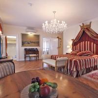 Alchymist Nosticova Palace Garden Terrace Suite
