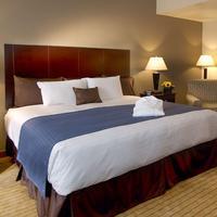 Nichols Village Hotel And Spa Guestroom