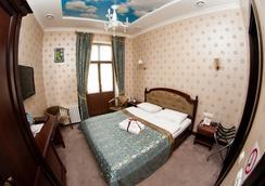 Saint Feder Hotel - ลวิฟ - ห้องน้ำ