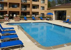 Courtyard by Marriott Atlanta Perimeter Center - แอตแลนตา - สระว่ายน้ำ