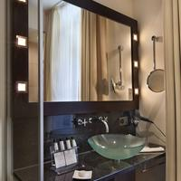 Flemings Hotel Zürich Bathroom