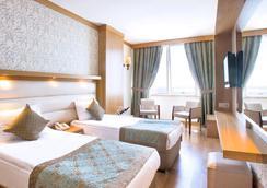 Oz Hotels Antalya Hotel Resort & Spa - อันตัลยา - ห้องนอน