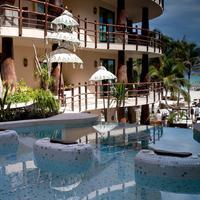 El Taj Oceanfront & Beachside Condo Hotel Outdoor Pool