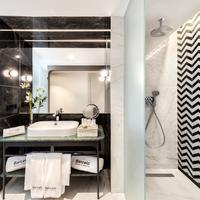 Barceló Torre de Madrid Bathroom