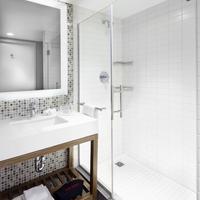 Courtyard New York Downtown Manhattan / World Trade Center Area Bathroom