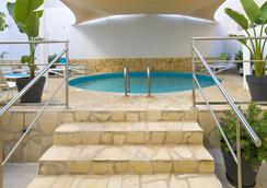 Hotel Playasol Lei Ibiza - อิบิซา - สระว่ายน้ำ