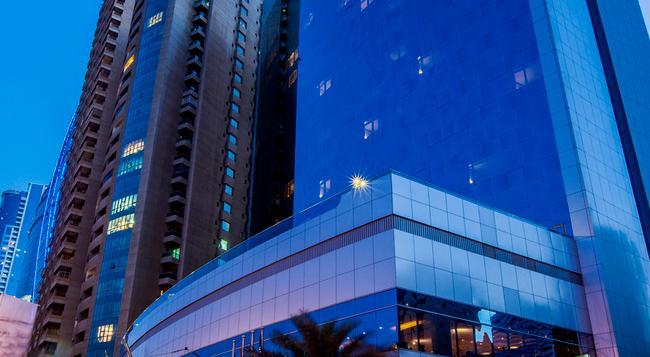 Hilton Sharjah - Sharjah - Building