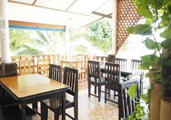 เดอะ ซีนารี่ บีช รีสอร์ท - เกาะพงัน - ร้านอาหาร