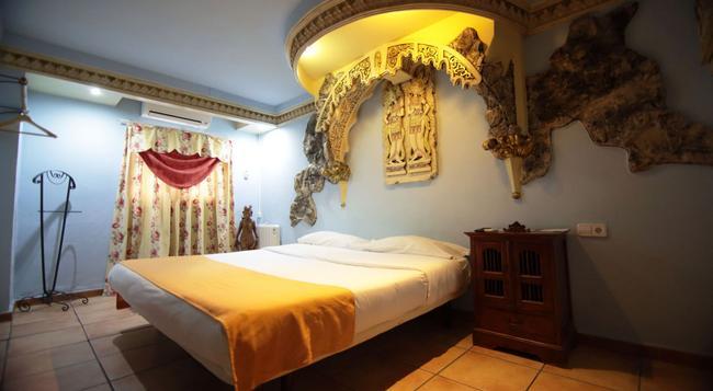 Casual Valencia de las Civilizaciones - Valencia - Bedroom