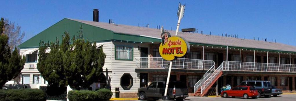 Apache Motel - Moab - Building