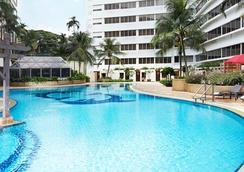 โรงแรมฟูราม่า ริเวอร์ฟร้อนท์ - สิงคโปร์ - สระว่ายน้ำ