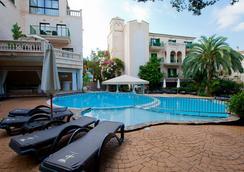 Lago Garden Apart-Suites & Spa Hotel - กาลา รัตจาดา - สระว่ายน้ำ