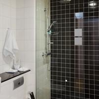 City Center Hotel Bathroom