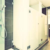 one80º Hostel Berlin Bathroom