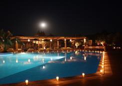 La Maison des Oliviers - มาราเกช - สระว่ายน้ำ