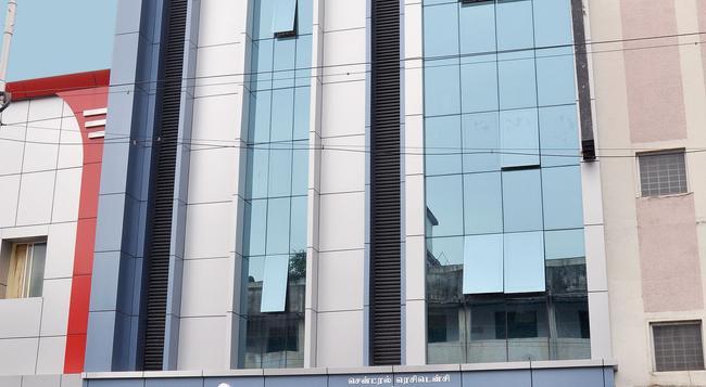 Central Residency Hotel - Chennai - Building