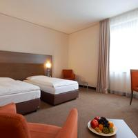 InterCityHotel Dresden IntercityHotel Dresen, Germany - Business room