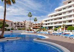 Hotel Apartamentos Andorra - อโรนา - สระว่ายน้ำ