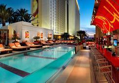 Golden Nugget Las Vegas Hotel & Casino - ลาสเวกัส - สระว่ายน้ำ