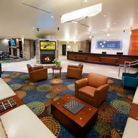 Holiday Inn Express & Suites Pittsburgh West - Green Tree Lobby Sitting Area