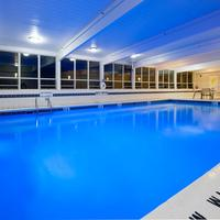 Holiday Inn Express & Suites Pittsburgh West - Green Tree Pool