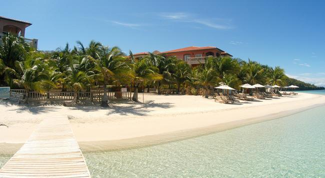 Infinity Bay, Spa & Beach Resort - Coxen Hole - Building