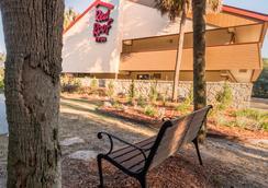 Red Roof Inn Tallahassee - University - ทัลลาฮัสซี - วิวภายนอก
