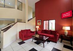 Red Roof Inn Pensacola Fairgrounds - เพนซาโคลา - ล็อบบี้
